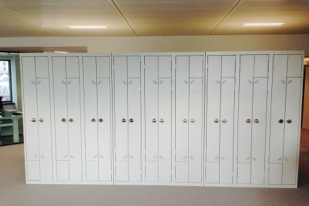 ALLIANZ PARIS - VESTIAIRES METALLIQUES PORTES EN L OU Z